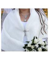 Продам свадебное платье перчатки и моннто в подарок