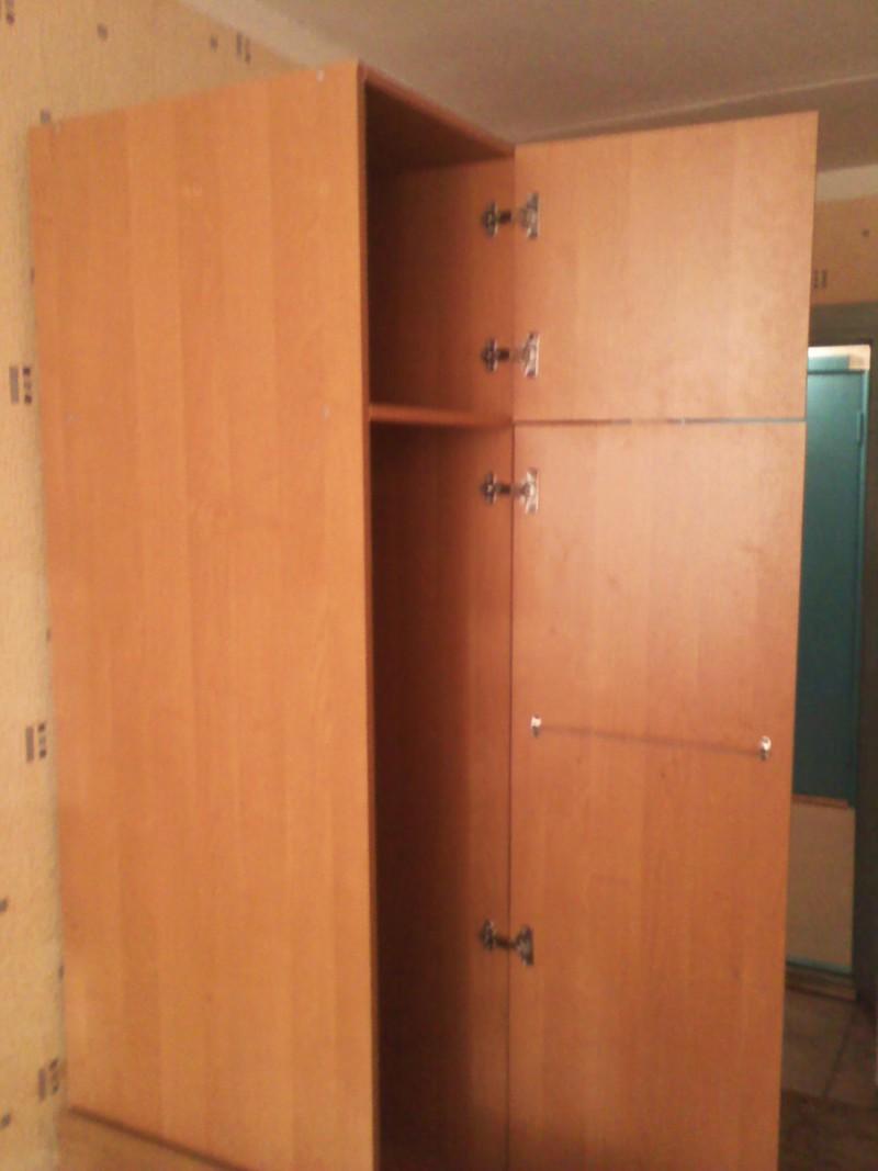 Продать шкаф для одежды б у
